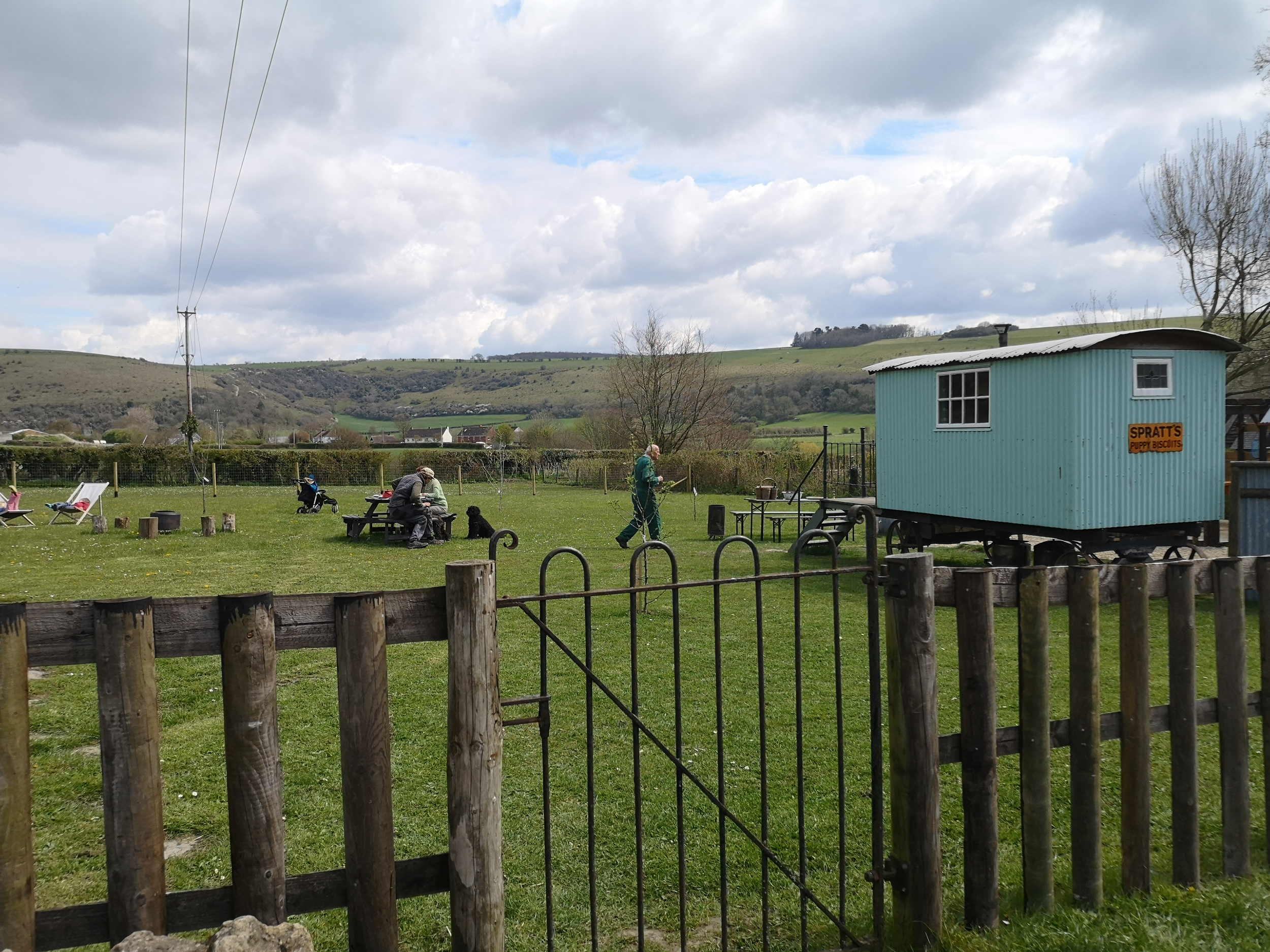 family-dog-friendly-glamping
